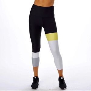 SOUL CYCLE Tully Lou Black colorblock crop legging